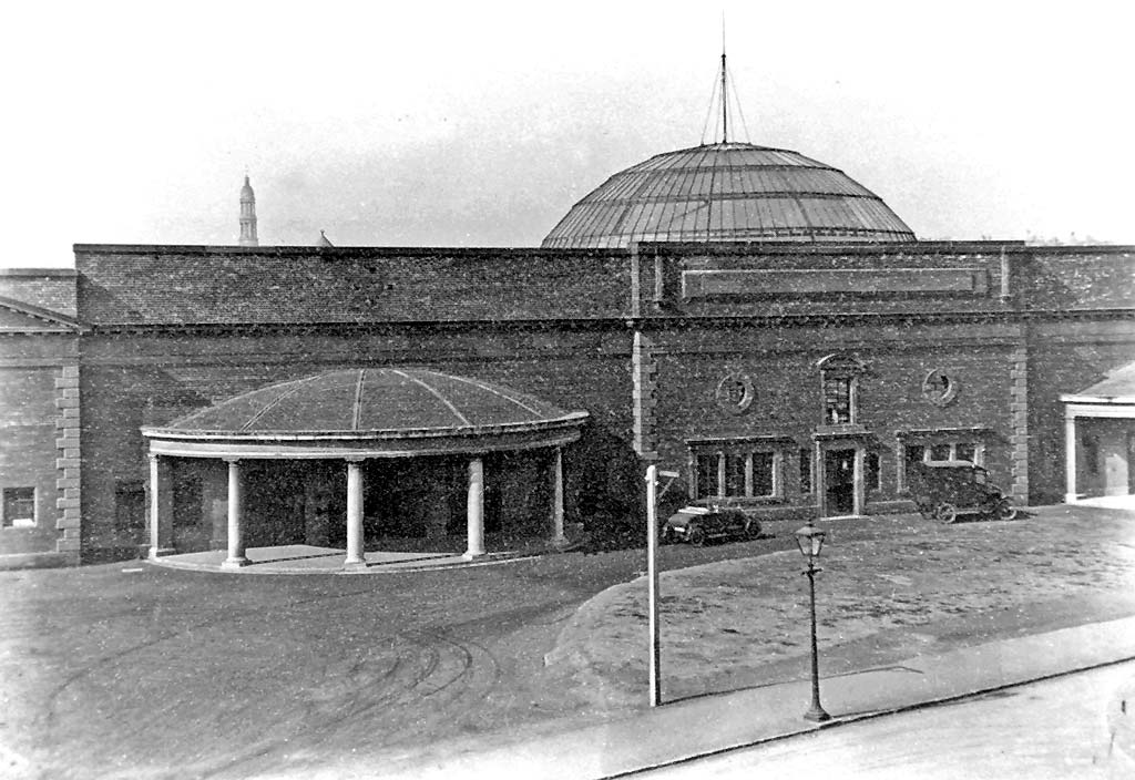 Exihibition Hall at Annandale Street in the 1920s  -  Later to become Central Bus Depot
