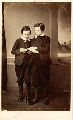 Carte de Visite  -  Photographer: G&D Hay