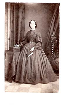 A carte de visite by John Horsburgh  from studio at 39 South Bridge  -  A Lady