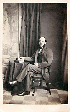 A carte de visite by John Horsburgh  from studio at 39 South Bridge  -  A Gentleman