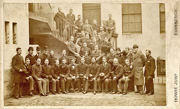 James Howie Junior  -   carte de visite  -  Group of 42 men
