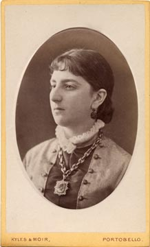 Carte de visite  -  Kyles & Moir  - 1877 to 1882  -  Lady with locket