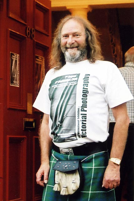 Doug Hamilton at the EPS Premises  on the opening evening of the Edinburgh International Exhibition  -  4 August 2005