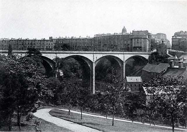 W R & S Ltd  -  Photograph from the early-1900s  -  Dean Bridge and the valley of the Water of Leith