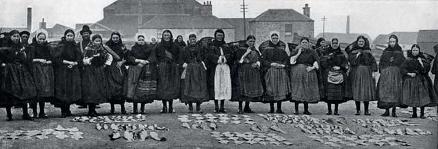 W R & S Ltd  -  photograph from the early 1900s  -  Fisherrrow Fishmarket