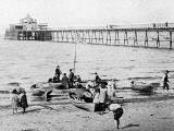 W R & S Ltd photograph from the early-1900s  -  Portobello Pier -  zoom-in