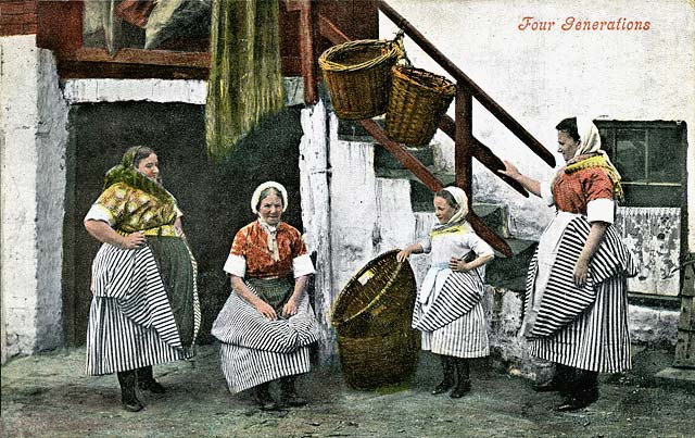 Four generations of Newhaven Fishwives