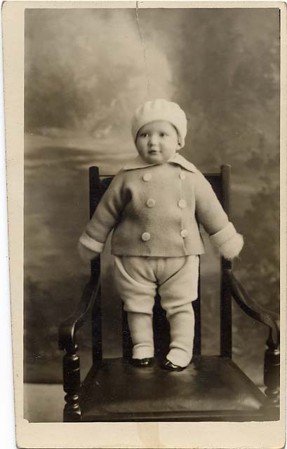 Jerome postcard  -  1931  -  Child on a Chair
