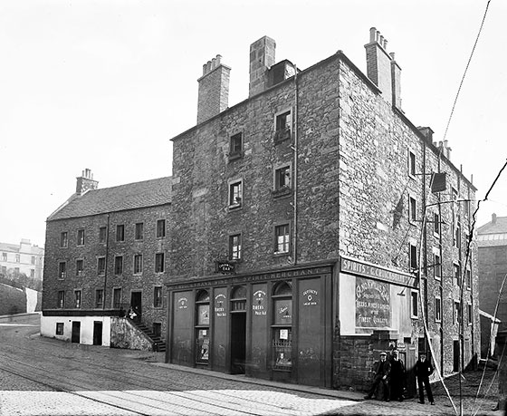 Tenements and Pub at 7-21 Canon Mills  -  on the site where Canonmills Service Station now stands