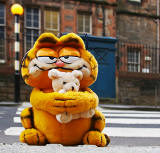 Garfield crosses Canongate at Royal Mile Primary School