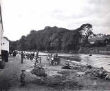 Cramond and Children - possibly photographed by JCH Balmain