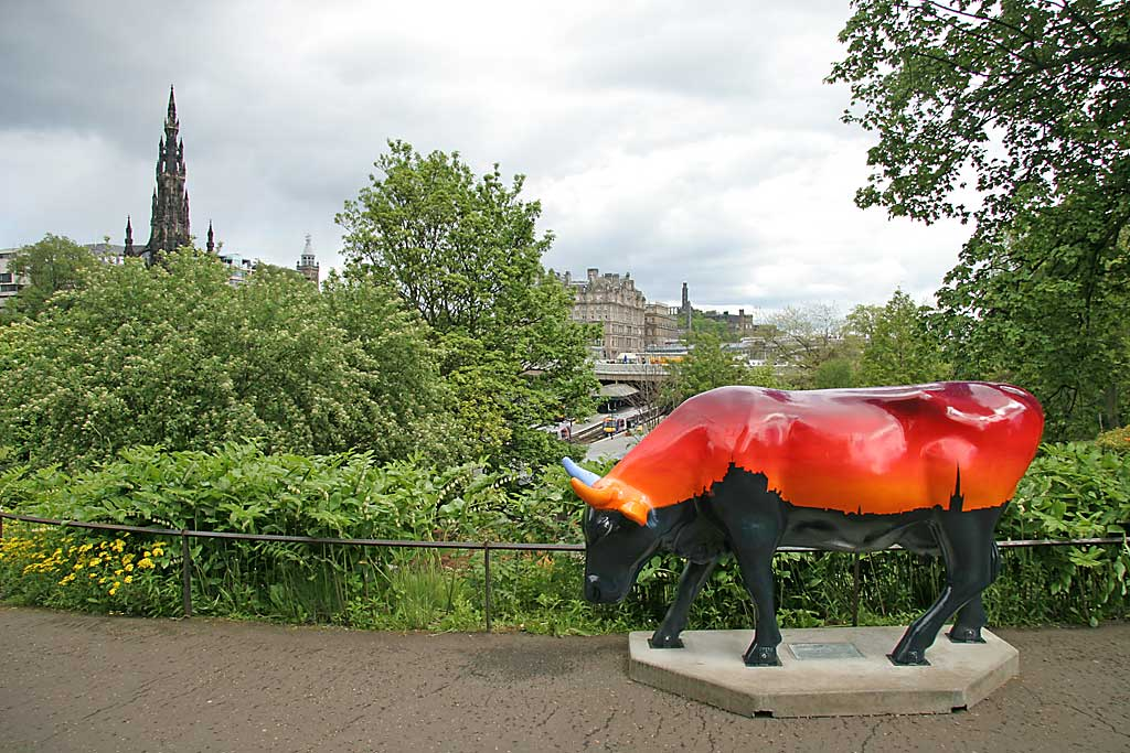 Edinburgh Cow Parade  -  2006  -  Princes Street Gardens and the Balmoral Hotel