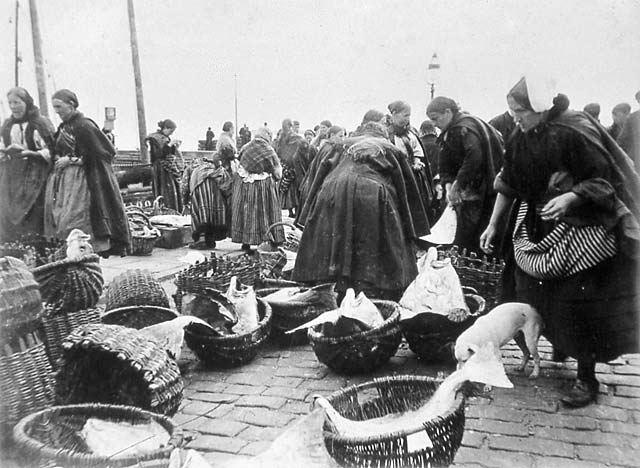 Newhaven Fishmarket  -  Fishwives and Creels