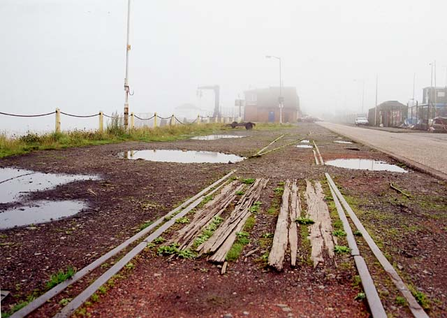 Edinburgh Waterfront  -  Middle Pier at Granton Harbour on a misty Sunday afternoon  -  4 August 2002