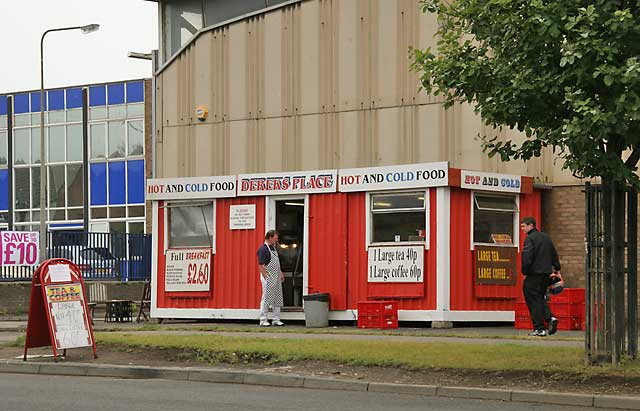 Edinburgh Waterfront  -  Derek's Place, selling hot and cold food, close to the entrance to Middle Pier, Granton Harbour  -  June 2006