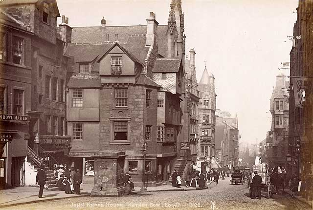 Photographs by Alex A Inglis  -  John Knox House, Edinburgh Royal Mile