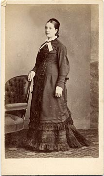 Carte de visite by Adam Diston  -  1877-1882  -  Lady