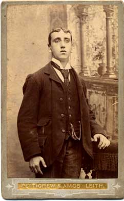 Carte de Visite  -  Photographer: Pettigrew & Amos, Leith