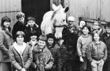 Jim Lee, St Cuthbert's farrier, with Silver and pupils from Tollcross School  -  1985
