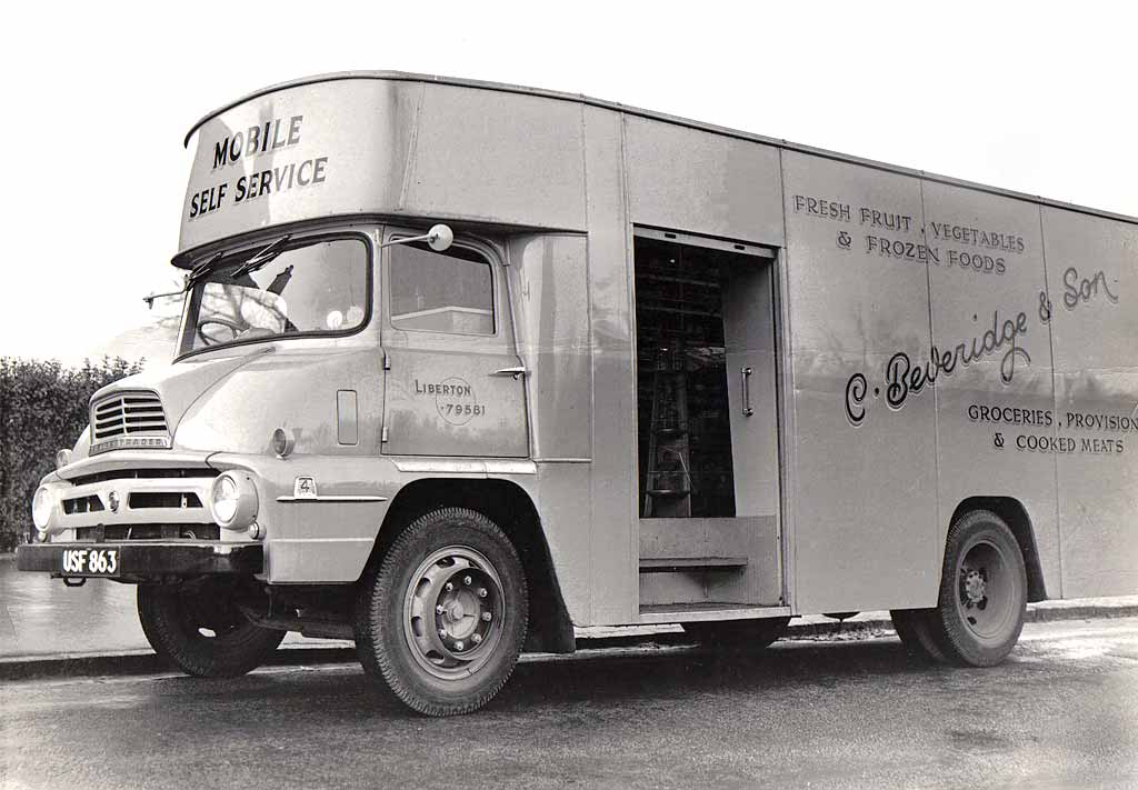 Beveridge Mobile Grocer's Van at Gilmerton Road  - 1958