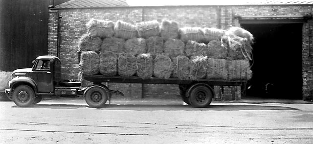 Lorries taking esparto grass from Granton to the paper mills around Edinburgh in the 1940s/50s