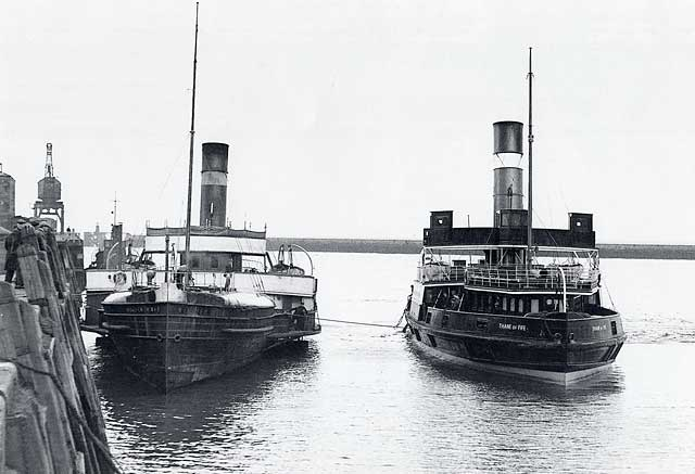 Granton to Burntisland Ferries  -  Willie Muir and Thane of Fife  -  1937