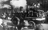 A 1906  Merryweather Fire King fire engine passes Edinburgh Royal Infirmary on the Infirmary Collection Day, around 1928