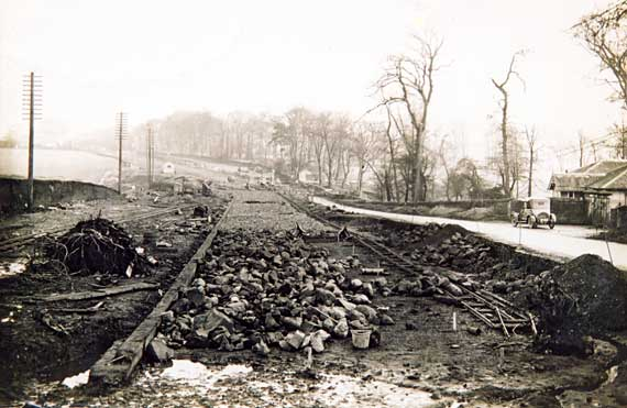 Roadworks  -  Laying the tramway track in Glasgow Road
