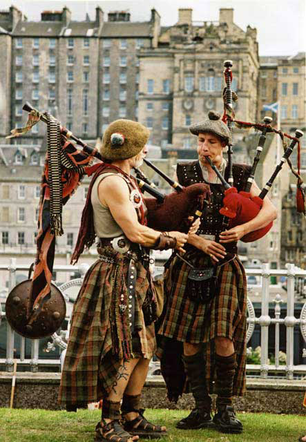 Street Entertainment during the Edinburgh Festival  -  Pipers 1