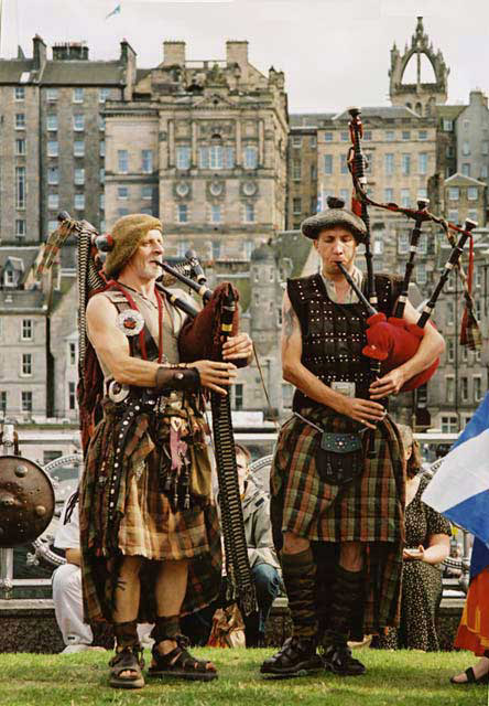 Street Entertainment during the Edinburgh Festival  -  Pipers 2