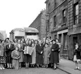 Group Outing  -  Cumberland Street.  Do you know which group this was and when the photo might have been taken?