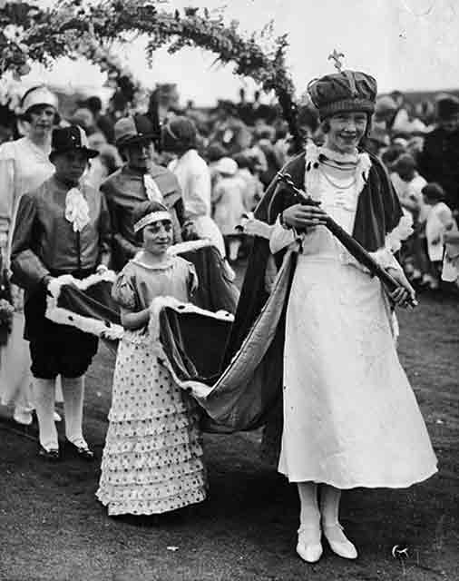 Gilmerton Recollections  -  Gala Queen, around 1934-35