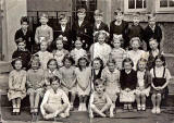 Granton Primary School Class  -  Photo probably taken between 1953 and 1956