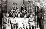 James Clark School - Class 4A 'leftovers'  -  i.e. those who were too young to leave the school at Easter