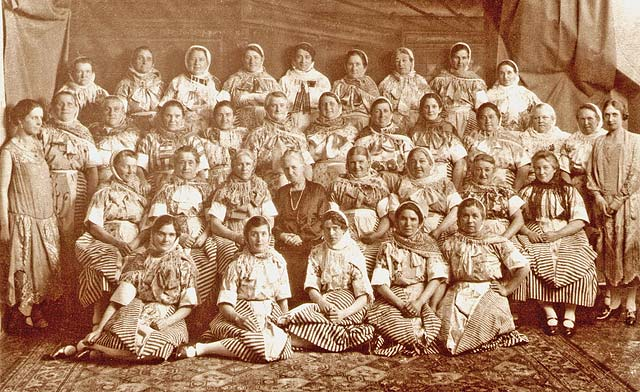 Newhaven Fishwives Choir - 1920s