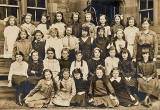 A class at Tollcross Primary School, probably around 1916-18