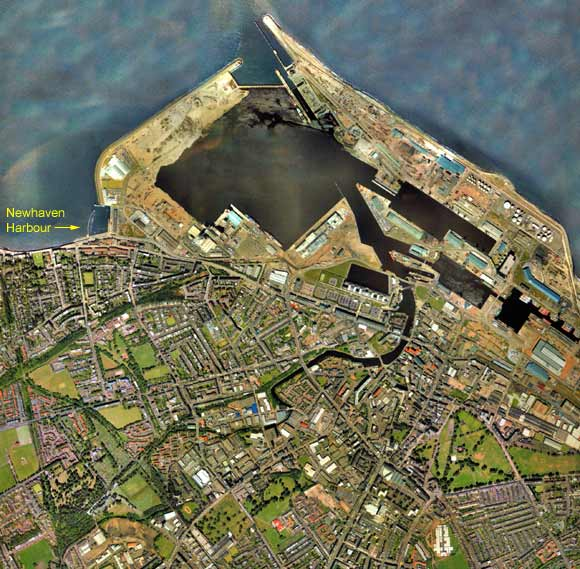 Aerial Photo of Newhaven and Leith  -  2001
