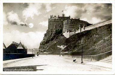 Edinburgh Castle from Johnston Terrace  -  post card  -  Central Publishing Co, Glasgow