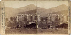 Stereoscopic View by GW Wilson  -  Holyrood Palace